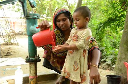 世界の子供たちのための「水・食糧のための募金」